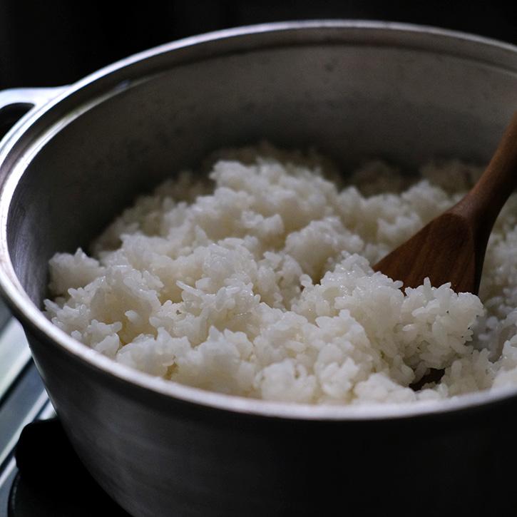 炊いたご飯と無水鍋