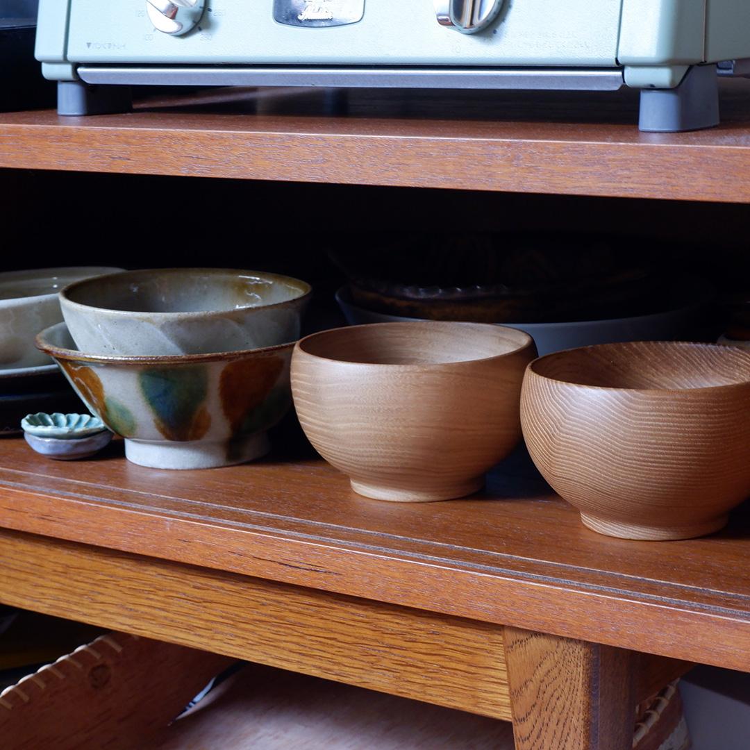 食器棚に「銘木椀」をしまったところ