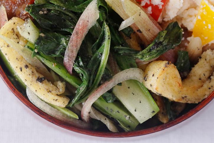 青梗菜と油揚げのごま塩炒め